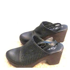 Free people black clogs with optional heel strap